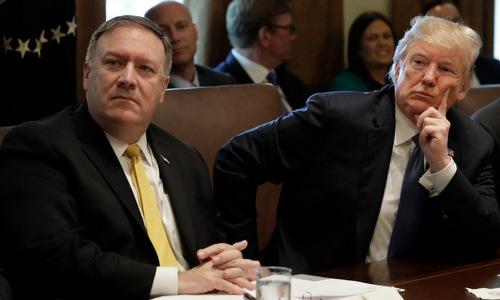 Pompeo (trái) vàTrump họp tại Nhà Trắng hồi tháng 4/2018. Ảnh: Reuters.