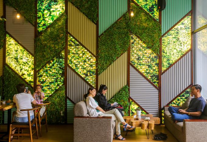 Quán cà phê trang trí gần 100 bức tranh 3D