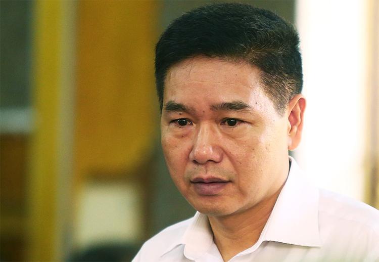 Cựu phó giám đốc Sở Giáo dục và Đào tạo tỉnh Sơn La tại tòa án trong sáng 16/9. Ảnh: Phạm Dự