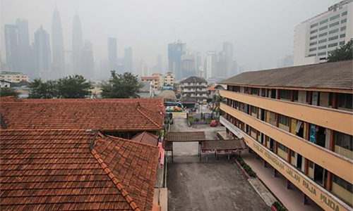 Malaysia dong cua hang nghin truong hoc