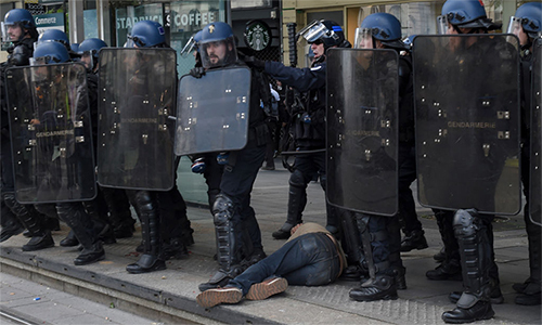 Paris triển khai hàng nghìn cảnh sát ngăn biểu tình - ảnh 1