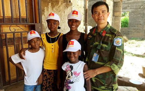 Sĩ quan mũ nồi xanh Việt Nam ở Trung Phi - ảnh 1