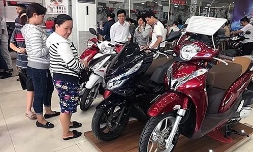 Tổng chi phí khi mua xe máy tại Việt Nam