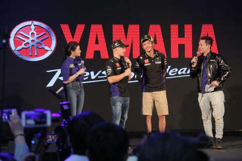Tay đua MotoGP Valentino Rossi tại chương trình giao lưu.