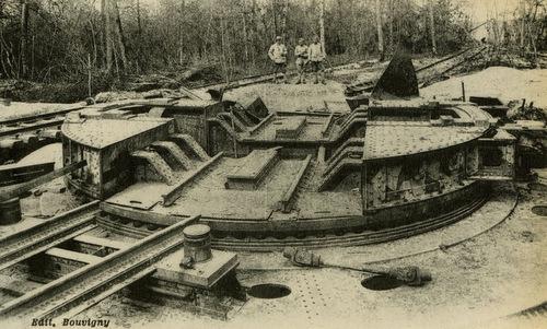 Bệ pháo được tìm thấy sau Thế chiến I. Ảnh: Wikipedia.