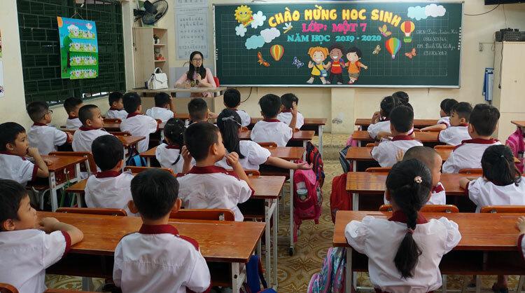 Lớp 1 trường Tiểu học Hồng Hà (quận Bình Thanh, TP HCM) trong khai tựu trường năm học 2019-2020. Ảnh: Mạnh Tùng
