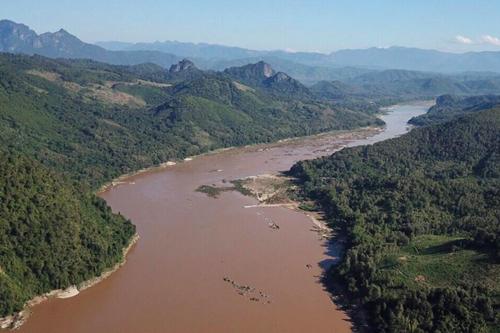 Đoạn sông Mekong chảy qua Luang Prabang, Lào. Ảnh: MRC.