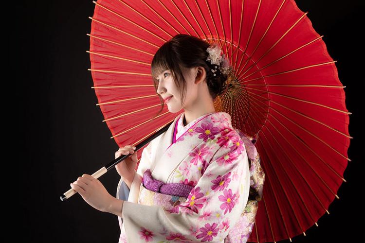 Nữ ca sĩ gặp họa từ bức ảnh đăng trên mạng xã hội - ảnh 2