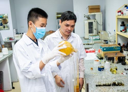 Học sinh Việt Nam đạt giải cuộc thi nghiên cứu khoa học tại Singapore - ảnh 2