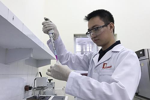 9X nghiên cứu vật liệu xử lý khí thải từ động cơ xe