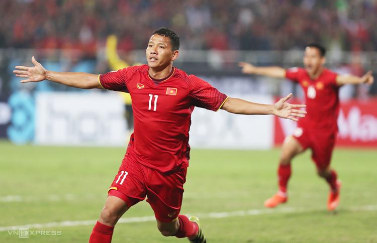 Anh Đức rất có duyên ghi bàn vào lưới Malaysia. Ảnh: Đức Đồng