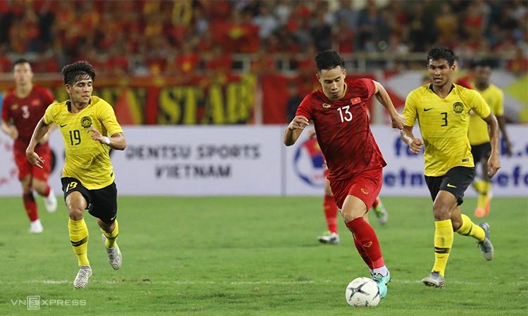 Malaysia bị đuối sức về cuối hiệp hai, nên không thể gây sức ép đủ lớn để tìm kiếm bàn gỡ. Ảnh: Ngọc Thành.