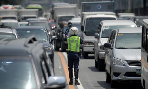Người dân Manila bức xúc vì tắc đường - ảnh 2