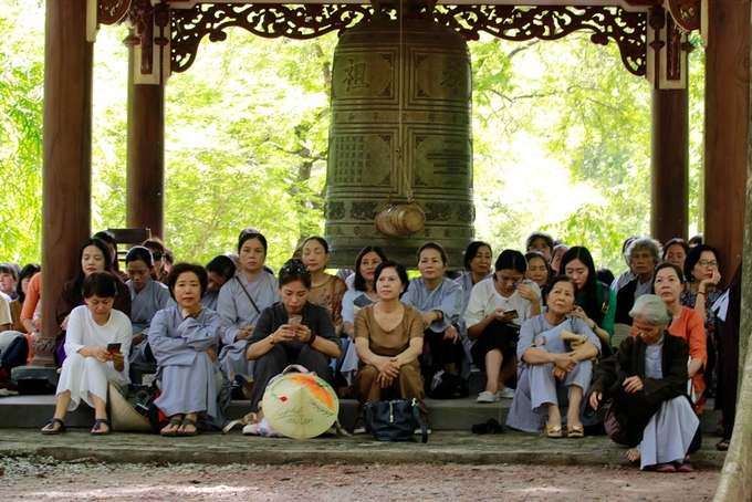 Chùa Từ Hiếu chật kín phật tử trong ngày sinh nhật thiền sư Nhất Hạnh