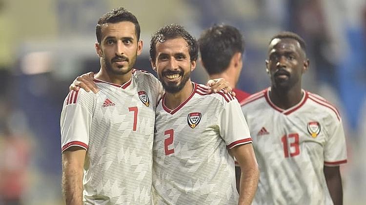 Đồng đội chia vui với Mabkhout (số 7). Ảnh: AFC.