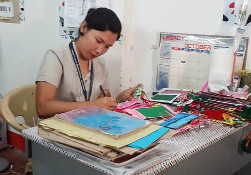 Cô giáo Jenmarie Dullente. Ảnh:ABS-CBN News.