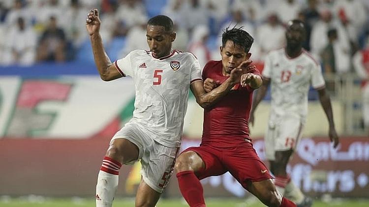Indonesia (đỏ) chỉ chơi tập trung trong nửa đầu hiệp một. Ảnh: AFC.