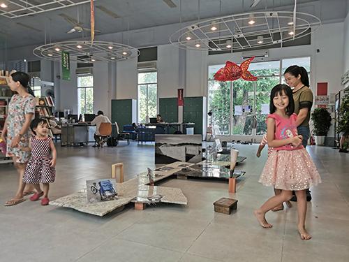 Nữ nghệ sĩ gốc Việt đam mê đất đá