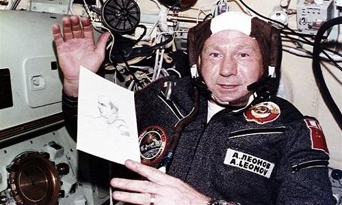 Nhà du hành vũ trụ Alexei Leonov. Ảnh: NBC.