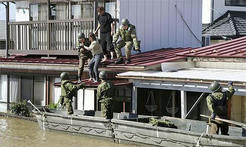 Nhật hủy duyệt binh hải quân vì bão Hagibis