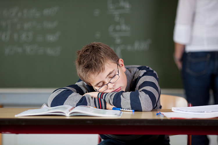 Trường lùi giờ học để học sinh ngủ thêm