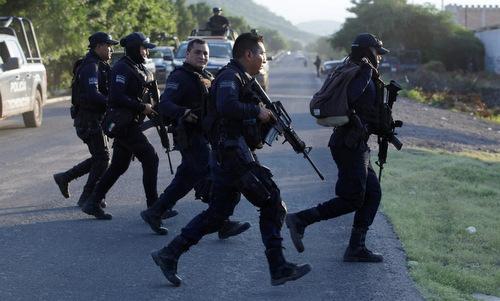 Nỗi cay đắng của cảnh sát Mexico - ảnh 3