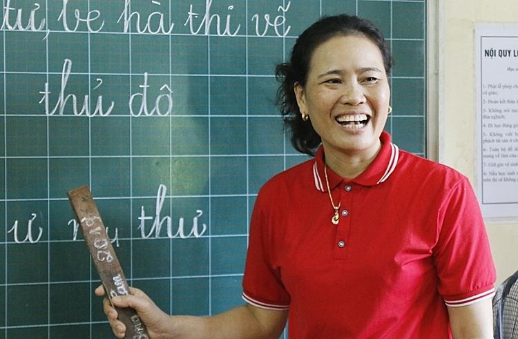 Cô giáo dành nửa cuộc đời giúp trẻ khuyết tật - ảnh 3