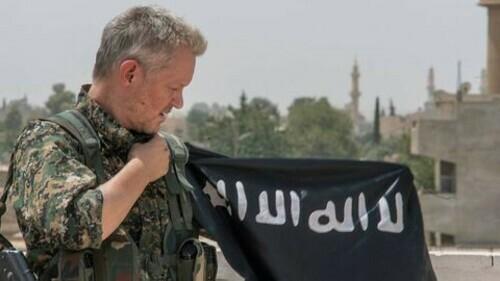 Cuộc chiến chống IS của nam diễn viên Hollywood - ảnh 4