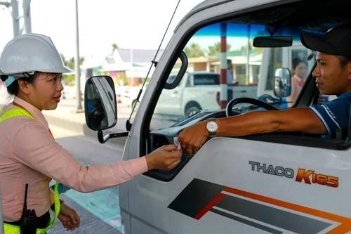 Xe tải, xe khách bị cấm đi trên quốc lộ 1 qua Cai Lậy - ảnh 1