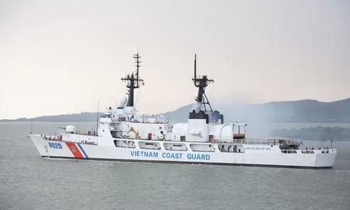 Tàu CBS 8020 của Cảnh sát biển Việt Nam sau khi tiếp nhận từ Tuần duyên Mỹ. Ảnh: CBSVN.