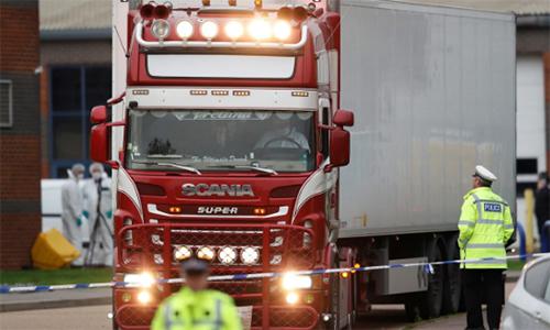 Hành trình định mệnh của 39 người chết trên xe container