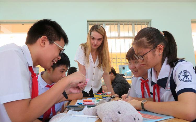 Một tiết học với giáo viên nước ngoại tại trường THPT chuyên Trần Đại Nghĩa (TP HCM) . Ảnh: Lê Nam.