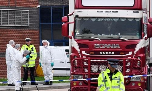 Nghi vấn về điểm dừng của xe container chở 39 thi thể
