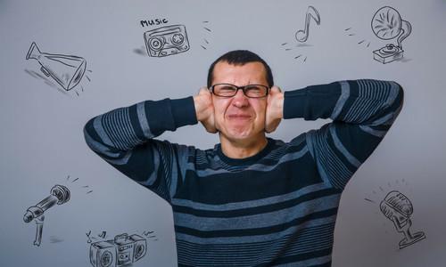 Tôi phải sống chung với tiếng nhạc từ cửa hàng điện máy