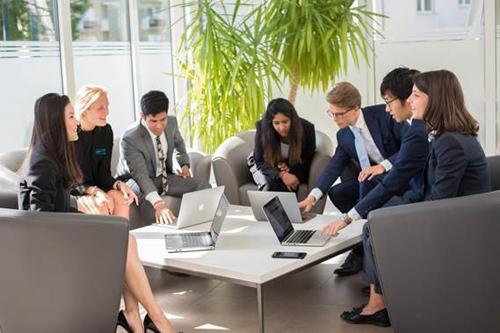 Tại hội thảo, học sinh, sinh viên sẽ được trực tiếp tham gia cuộc thi thảo luận nhóm với các tình huống cụ thể.