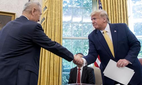 Tiệc tình yêu của Trump với Trung Quốc có thể sớm tàn - ảnh 1
