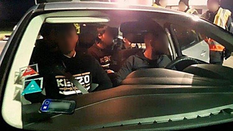 Đức bắt 17 người Việt trốn trên ôtô