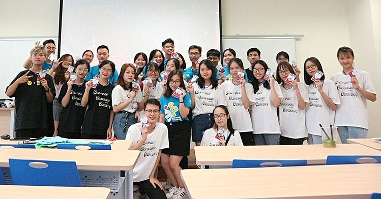 Một buổi sinh hoạt của CLB tiếng Anh Đại học Kinh tế quốc dân. Ảnh EEC
