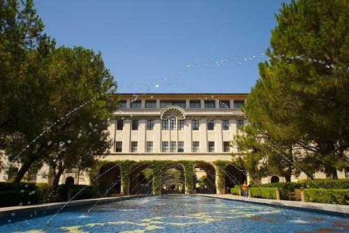 Một góc trong khuôn viên Viện Công nghệ California. Ảnh: US News & World Report