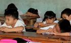 Phụ huynh viện cớ giờ làm, trẻ em Việt thiệt thòi khi đến trường lúc 6h45