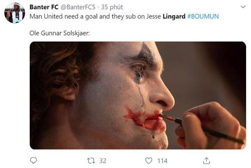 Man Utd cần bàn thắng và Solskjaer tung Lingard vào sân. Thật hài hước.