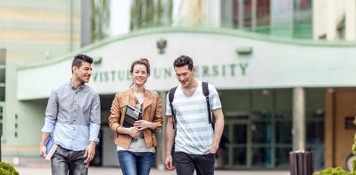Cơ hội trao đổi trực tiếp với Tập đoàn giáo dục APUI, Ba Lan
