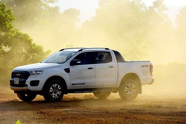 Ford Ranger Wildtrak sinh ra để định nghĩa thế nào là một chiếc bán tải full options. Ranger là dòng xe có doanh số bán tốt nhất phân khúc bán tải và thường trực trong top 10 mẫu xe bán chạy nhất thị trường Việt Nam. Hiện tại, Ranger vẫn đứng đầu phân khúc bán tải kể từ đầu năm đến nay, với doanh số cộng dồn hơn 9,000 xe.