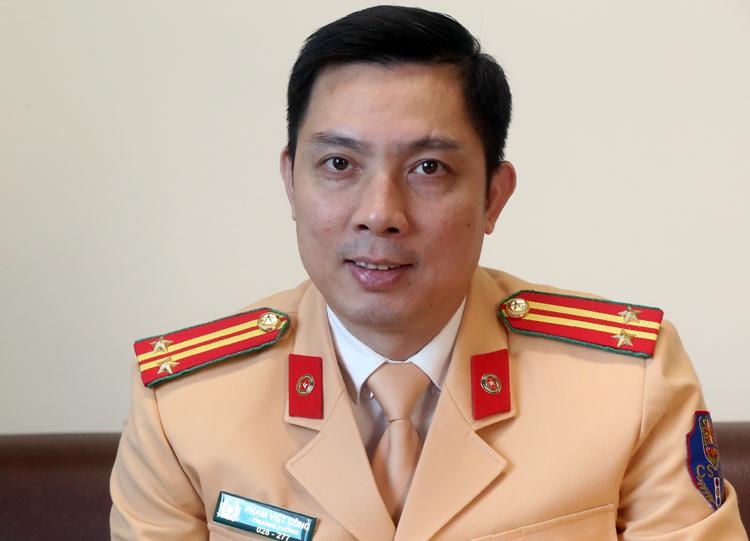 Trung tá Phạm Việt Công, Trưởng phòng Đăng ký xe (Cục Cảnh sát giao thông). Ảnh. Bá Đô
