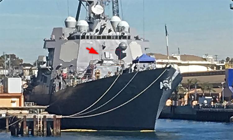 Hệ thống vũ khí mới trên khu trục hạm USS Dewey. Ảnh: Drive