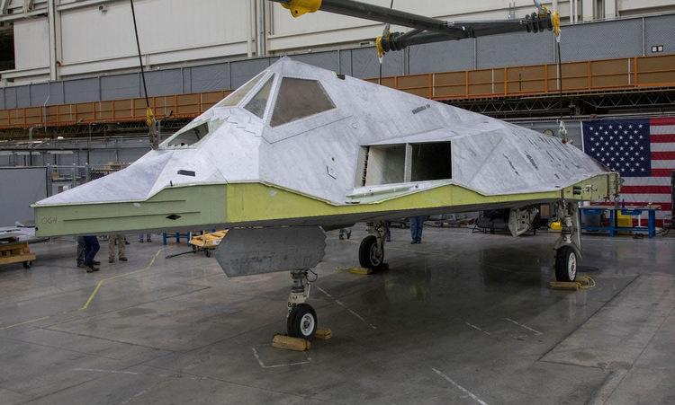 Mỹ phục chế phi cơ tàng hình F-117 -