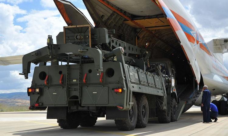 Hệ thống S-400 được chuyển cho Thổ Nhĩ Kỳ hồi tháng 8. Ảnh: Bộ Quốc phòng Thổ Nhĩ Kỳ.