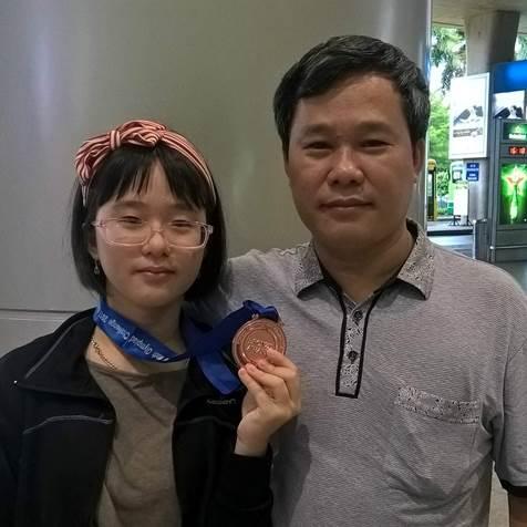 Trần Bảo Ngân nữ sinh theo đuổi lộ trình học CNTT bài bản tại FUNiX ngay từ lớp 10.