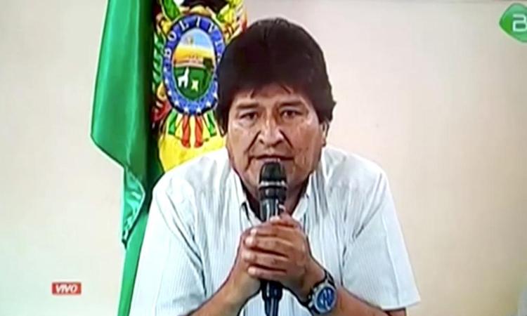 Phe đối lập phát lệnh bắt cựu tổng thống Bolivia