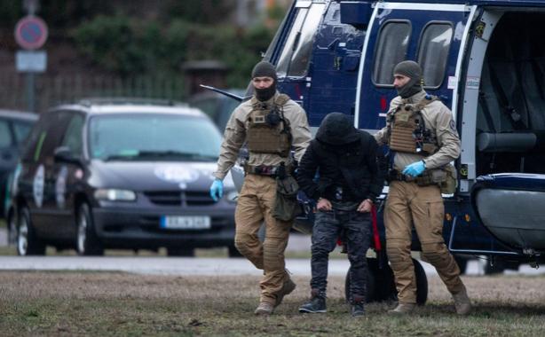 Đức bắt ba nghi phạm âm mưu đánh bom - ảnh 1